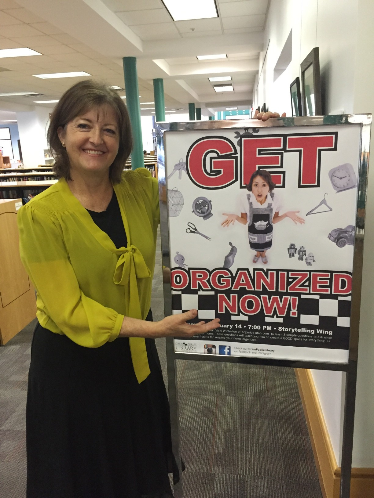 2016 - Vicki with Library Class Sign 2